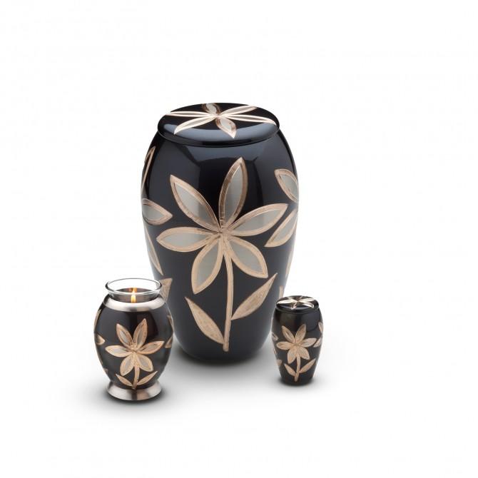 Urna cenizas hu 250 urnas de lat n urnas para cenizas for Los jardines tanatorio